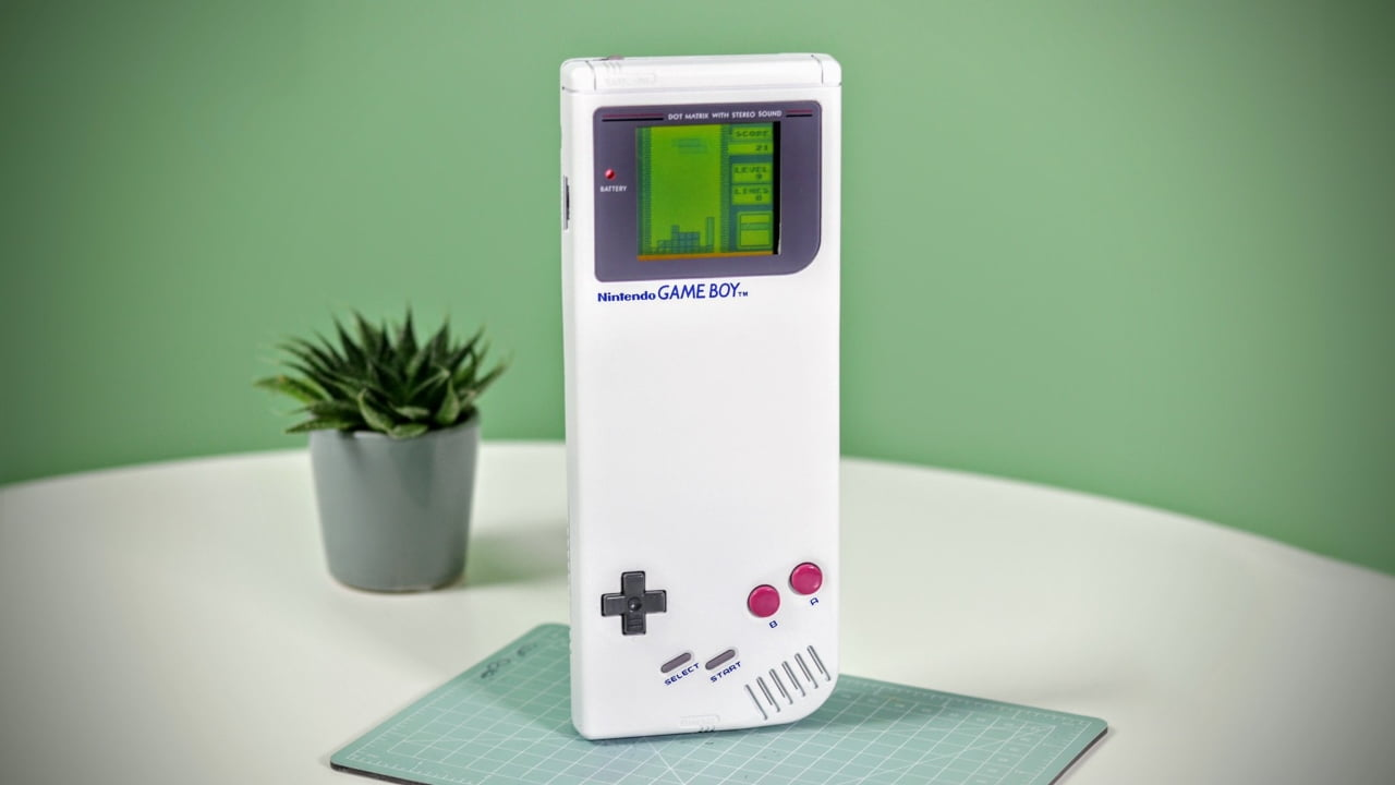 Elliot Coll extra-long Game Boy
